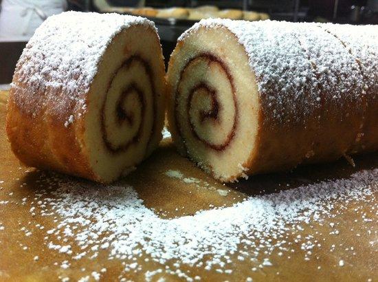 La Panaderia de Mi Cuadra: Exquisito brazo gitano, el mejor!!!