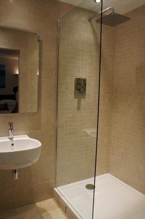 The Keep: shower- really nice