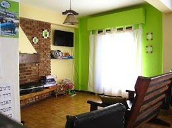 Rodinia Hostel: Salon/comedor
