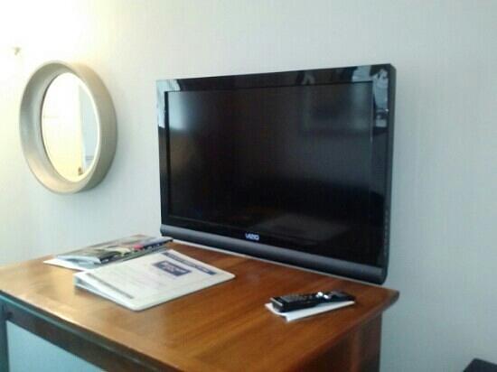 Rodeway Inn: flat screen