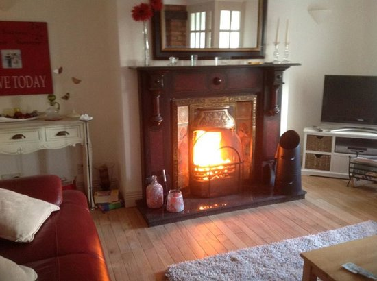 Culmore Cottage : Roaring Turf fire with Homely smell you will always remember