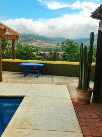 La Villada Inn: vista de la piscina