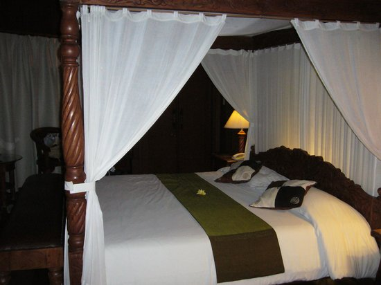 Dewani Villa: Gorgeous King Bed