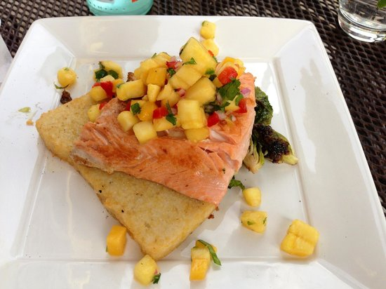 The Wine Bar - Watercolor on 30A : Amazing Salmon and Mango Salsa