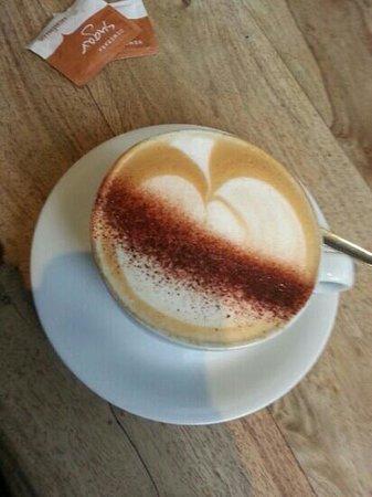 Elliott's at No 1 Harbour Street: coffee at Elliott's