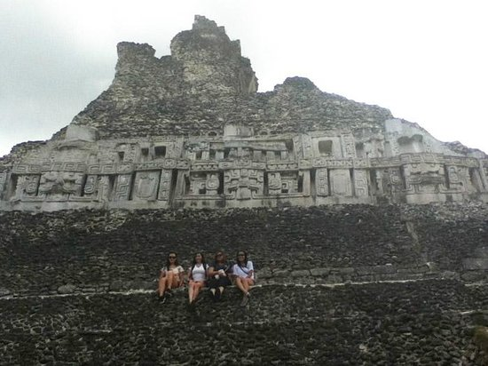 Casa Blanca Guest House: Xunantunich, near the top of the pyramid