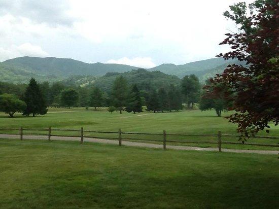 The Waynesville Inn, Golf Resort & Spa: Our mountain view