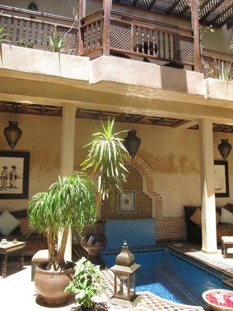 Riad Zayane: courtyard