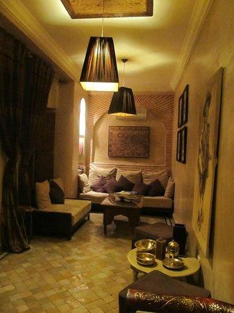 Riad Zayane: lounge area