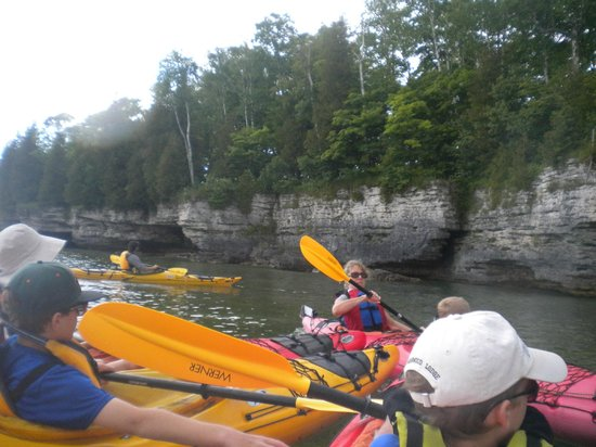 Door County Adventure Center: ALong the Cave Point shore
