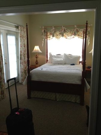 "Carriage House Inn: forgive the pics of the ""unmade"" pillows. I already tested out the comfy bed before the picture."