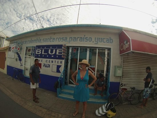 Studio Blue Dive Center : Outside the Shop - don't let the decor deter you...the inside is filled with GREAT STUFF!