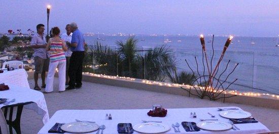 Villa Amor del Mar: Rooftop Dining
