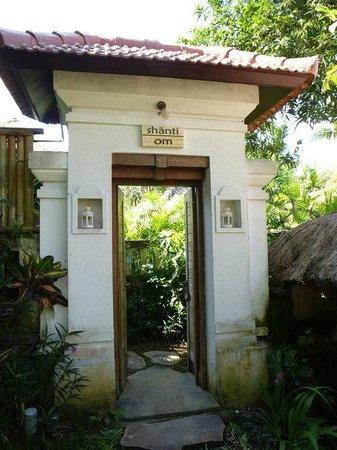 Villa Nirvana Bali: Entrance to Om Shanti