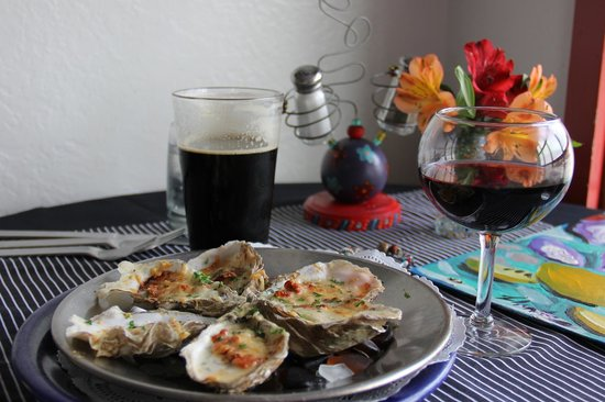 Cafe Cups: Baked oysters