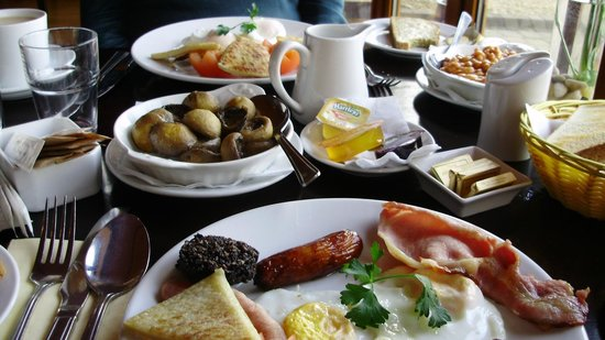 Waterfront House: wonderful breakfasts!