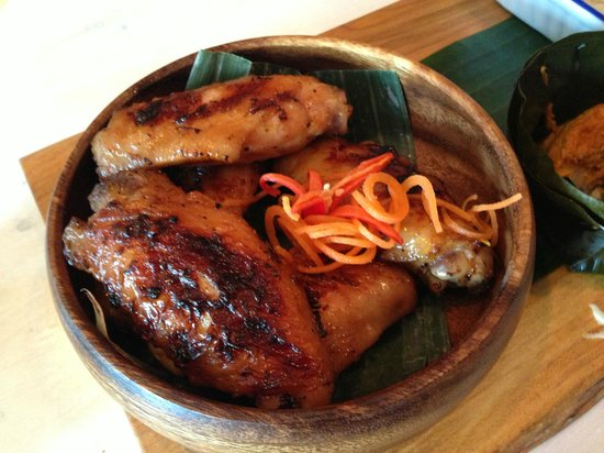 Sabai Sabai Kitchen and Bar: Grilled chicken wings