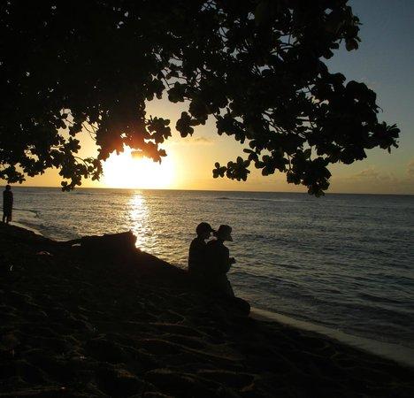 Pali Ke Kua Beach (Hideaway s Beach): sunset