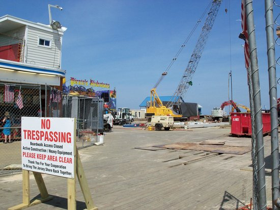 Casino Pier & Breakwater Beach Waterpark : Rebuilding Casino Pier