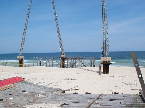 Casino Pier & Breakwater Beach Waterpark : Part of the remains of Funtown Pier