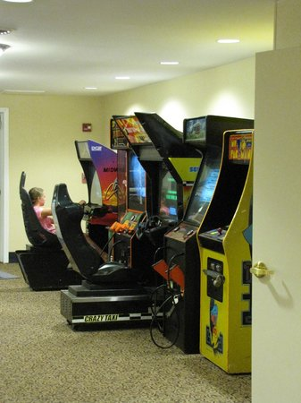 Resort at Governor's Crossing: Video Games - Air Hockey not shown