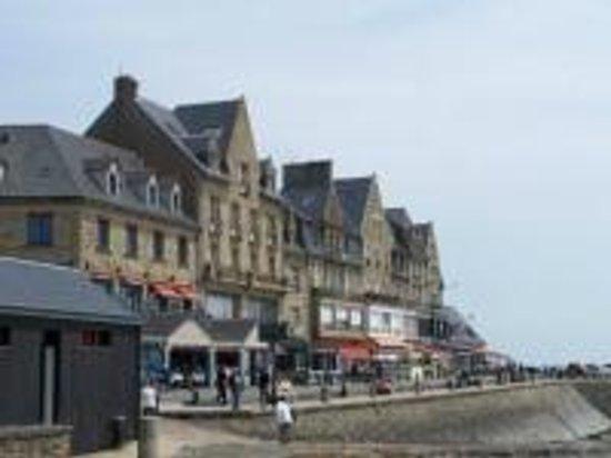 Le Phare Restaurant : Cancale (restau sur le port)