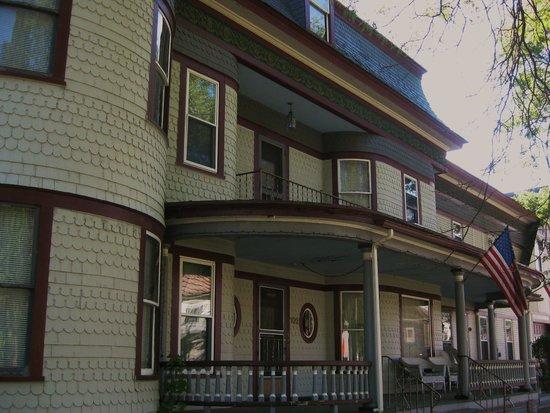 Reynold's House: Reynolds House