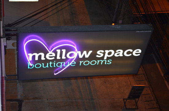 Mellow Space Boutique Rooms: cartel de las habitaciones
