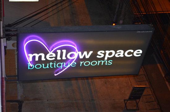 Mellow Space Boutique Rooms : cartel de las habitaciones