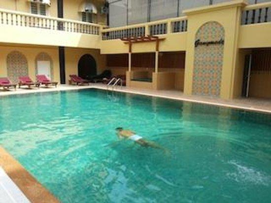 Zing Resort & Spa: pool view