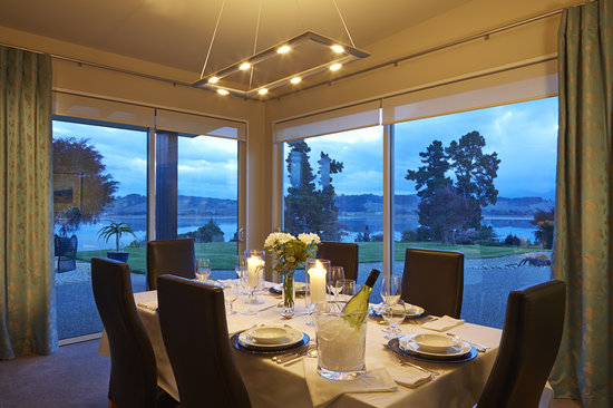 Almyra Waterfront Lodge : wonderful dining