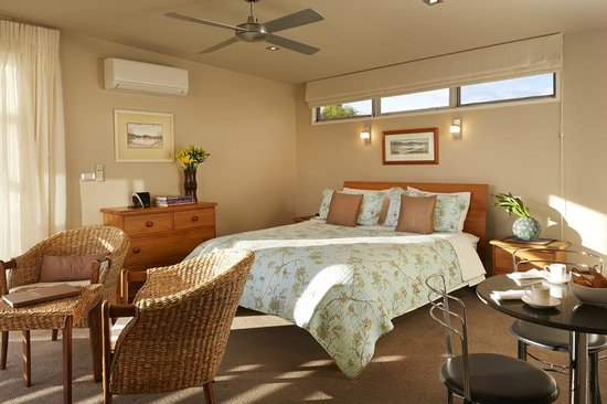 Almyra Waterfront Lodge: Tasman Suite