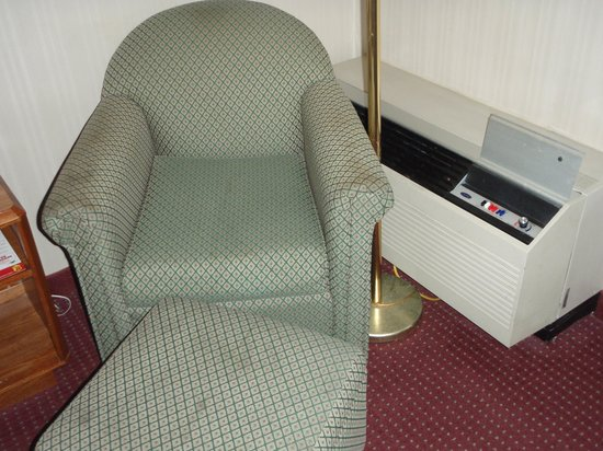 Super 8 Madison : I didn't see a need to sit in this chair.