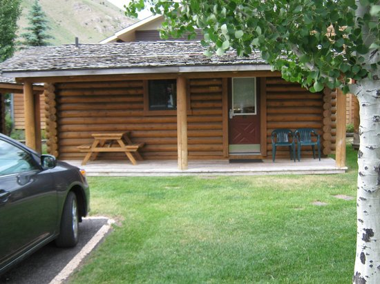 Cowboy Village Resort : Front of cabin #119