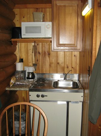 Cowboy Village Resort : View of kitchenette