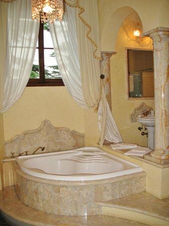 Villa Poggio Bartoli: Il bagno della camera 101