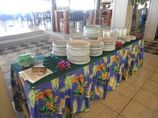 Plantation Island Resort: dining