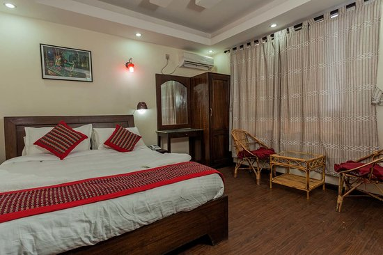 Kathmandu Home Hotel: Deluxe room with King Size Bed