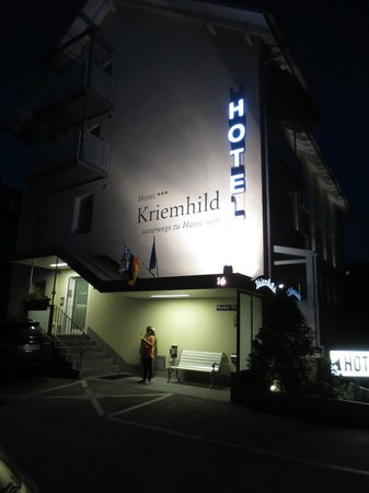 Hotel Kriemhild: Returning to hotel after longs day