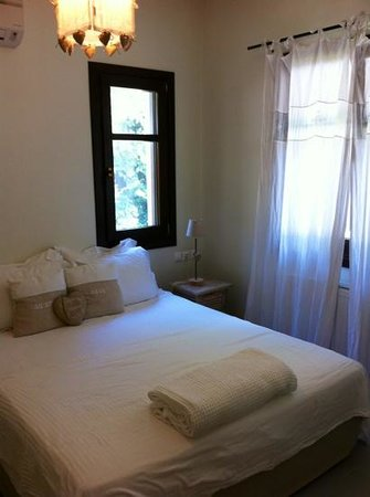 Vergopoulos Oliveyard: Bedroom of one bed apartment