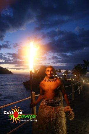 Likuliku Lagoon Resort: fire burning ceremony at LikuLiku