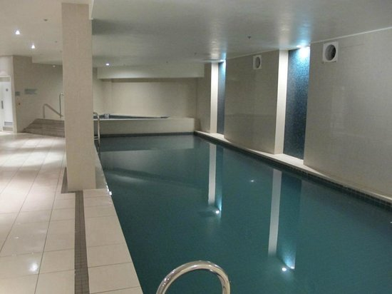 Mantra Sierra Grand: indoor pool