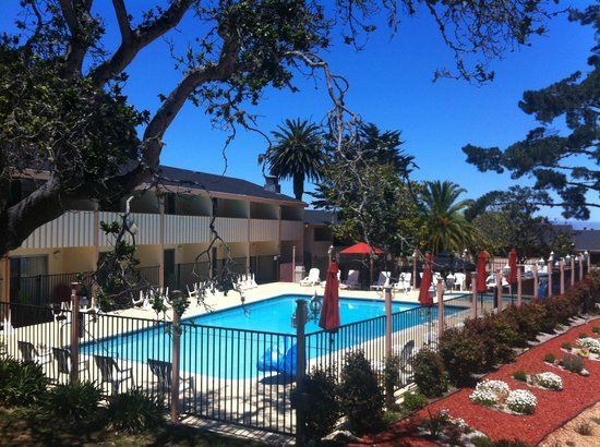 Americas Best Value Presidents Inn on Munras: Aquatic Center