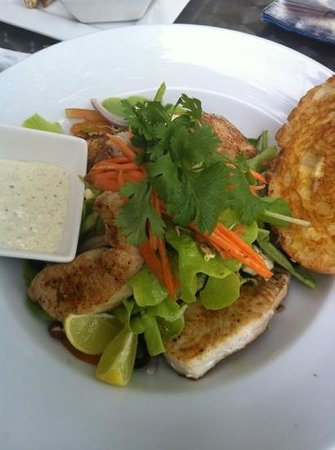 Coco Latte: fishgame salad