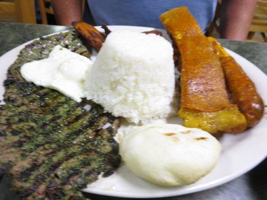 La Cabana Restaurant: Bandeja de Paisa