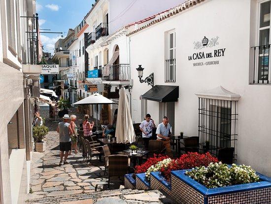 La Casa Del Rey : View from the street.
