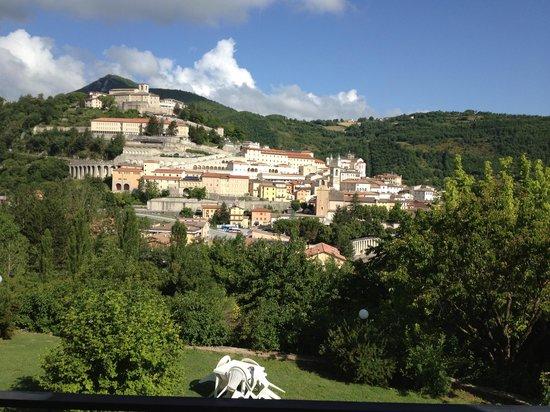 Hotel Villa Stella: Vista dalla sala ristorante.