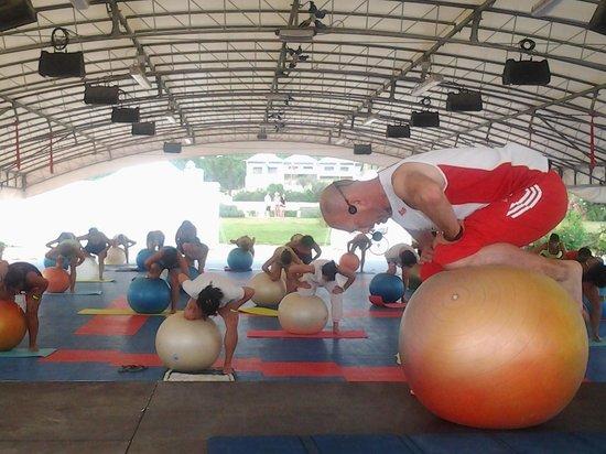 Villaggio Turistico Internazionale: FitBall in spiaggia: benessere a tutto tondo!