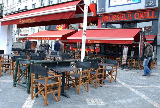 Brussels grill toison d 39 or la salle photo de brussels - Cash converter porte de namur ...