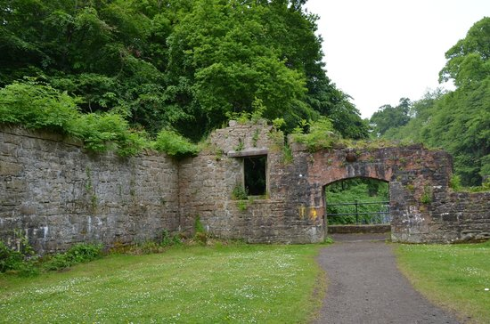 Cramond Mill Bed and Breakfast: Nearby ruins